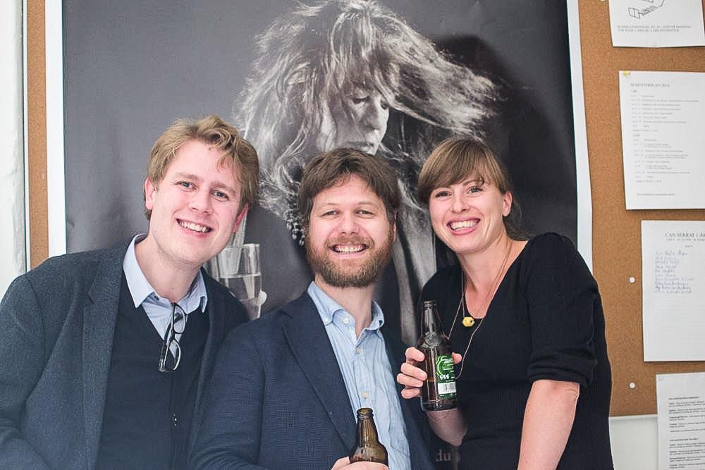 Nicolai Strøm-Olsen, André Gali og Monica Holmen. Bildet er tatt under KUNSTforums 5-årsjubileums som ble feiret på Prosjektskolen ifjor.