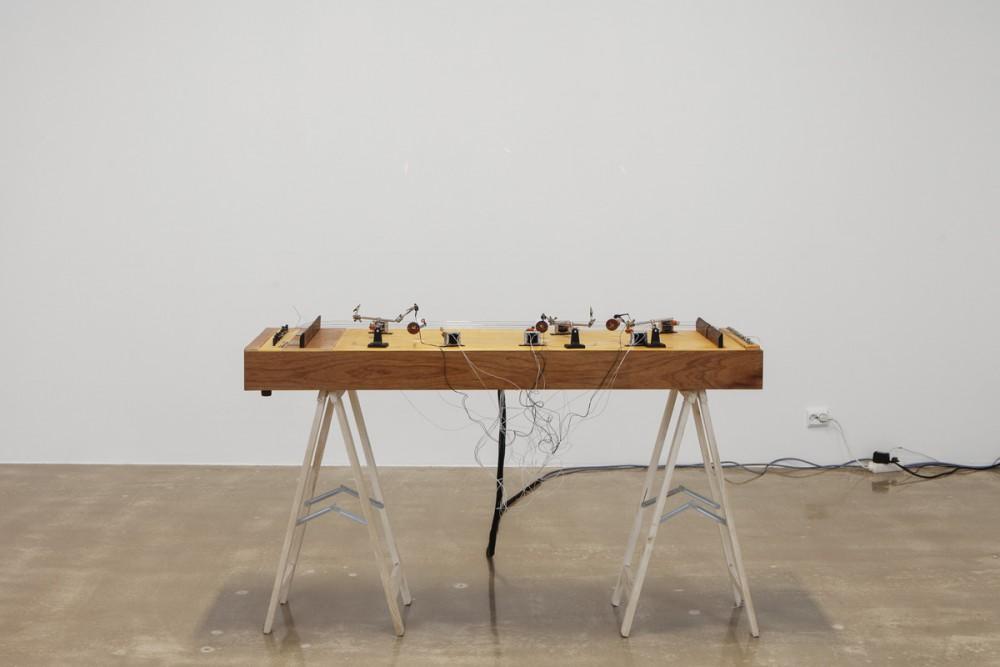 Aernoudt Jacobs, Lissajous String, 2015. Foto: Tor Simen Ulstein. Courtesy Kristiansand Kunsthall