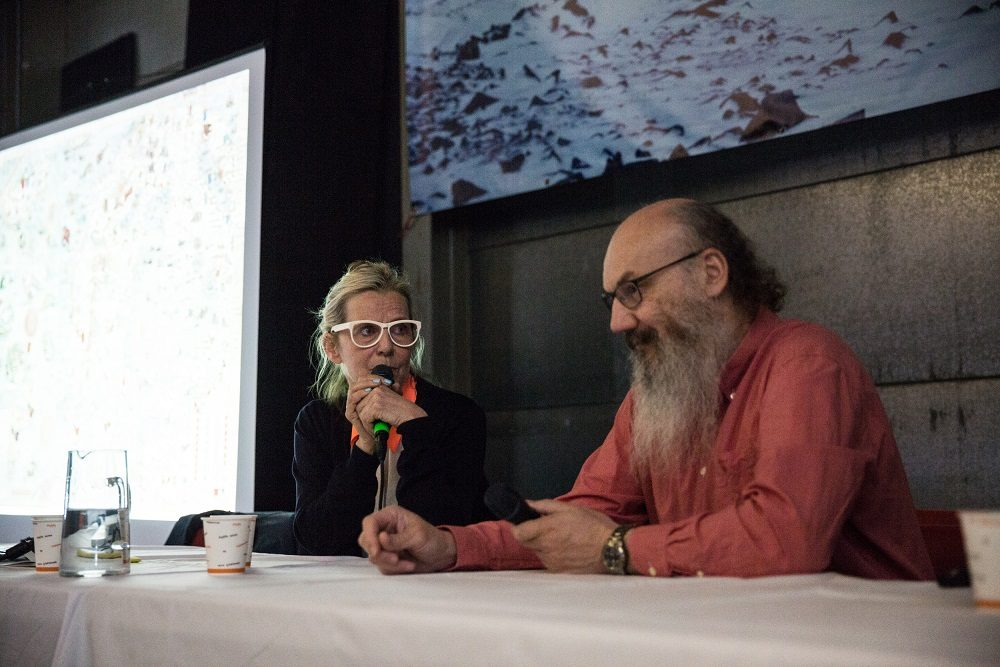 (l-r) AK Dolven in discussion with Kim Holmén, International Director of the Norwegian Polar Institute © Herman Dreyer, OCA