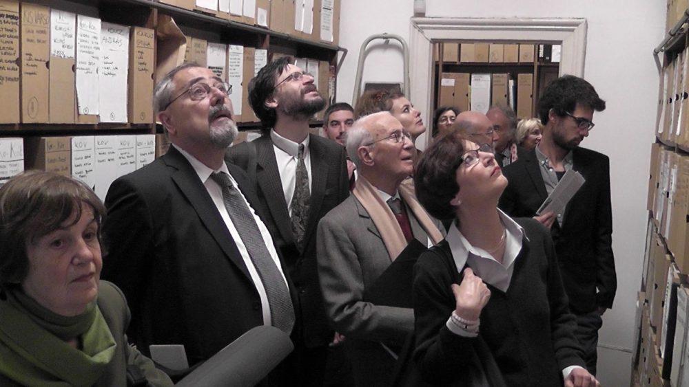 """""""XII Convegno italo-ungherese"""" besøker Artpool (en konferanse om Italiensk og Ungarsk kultur fra avantgarde til postmodernisme) i 2013"""